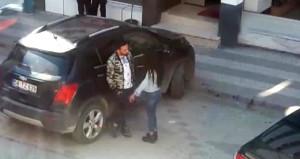 Sokak ortasında genç kıza erkek şiddeti!