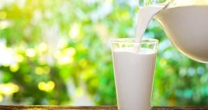 Çiğ süt satışında yeni dönem: Marketlerde satılacak