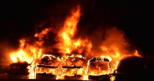 Bursa'da korkunç gece! Cayır cayır yanan 6 otobüs, küle döndü