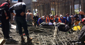 Cami inşaatı çöktü, beton kalıbın altında kalan 4 işçi öldü