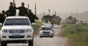 Teröristlere kalkan oluyorlar: ABD zırhlıları arasında YPG flaması!