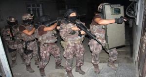 750 polisle 136 adrese infaz operasyonu