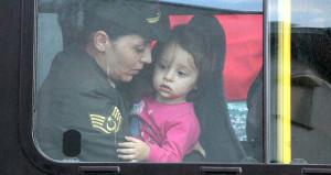 Babaya son bakış! Şehidin 2 yaşındaki kızı yürekleri dağladı