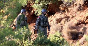 Muğla'da aranan PKK'lı yakalanacağını anlayınca evde kendini patlattı!