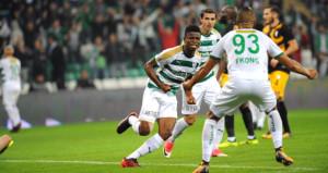 Bursaspor, Osmanlıspor'u 10 kişiyle rahat geçti