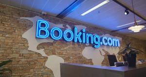 Boking.com'dan önemli açıklama! Yeniden hizmet sunacağız
