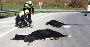 Evli çift hayatını kaybetti! Cezaevi nakil aracı motosikletle çarpıştı