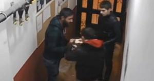 Denizli'de apartmanda uyuşturucu ticareti kameraya takıldı