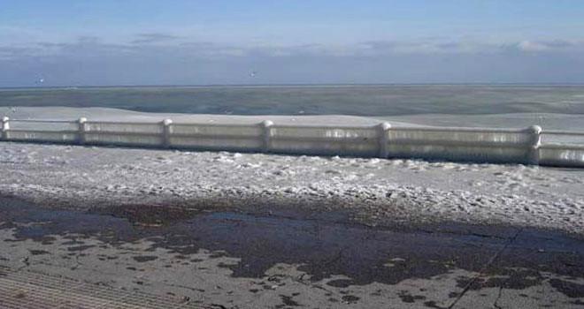 Hiç Donmuş Deniz Gördünüz mü?