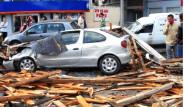 İstanbul'da fırtına yıktı geçti