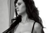 Katy Perry İç Çamaşırlarıyla Kaldı