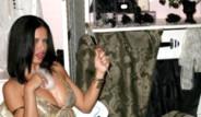Adriana Lima Tanıtımda Yine Büyüledi