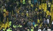 Fenerbahçeli Taraftarlar Birbirine Girdi