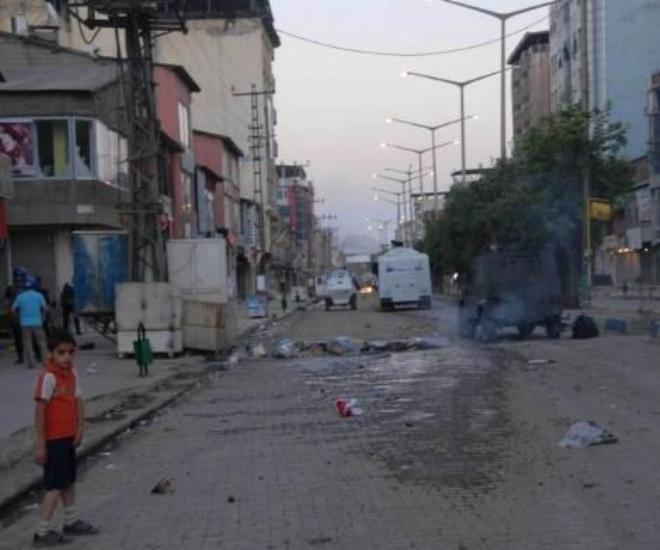 Diyarbakır Ve Hakkari'de 'Hatay' Gerginliği