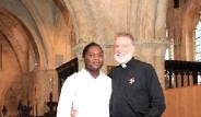 Eşcinsel Papaz Hıristiyan Alemini Ayağa Kaldırdı