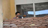 AK Parti Binasına Kum Torbalı Siper
