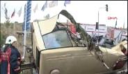 İkitelli'de Yolcu Minibüsü İle Tır çarpıştı
