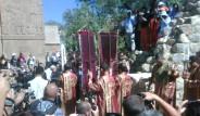 Akdamar'da Tarihi Gün