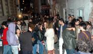 Beyoğlu'nda İki Sanat Galerisini Bastılar