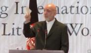 Karzai Gözyaşlarını Tutamadı