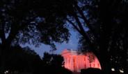 Beyaz Saray Pembe Oldu