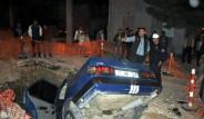 Alkollü Sürücü Otomobiliyle Çukura Düştü