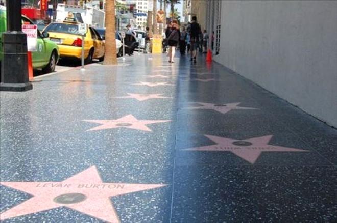 Hollywood Ünlülerinin Şaşırtan Sırları