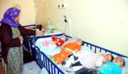 Bir Yatakta 4 Bebek