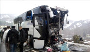 Yolcu Otobüsü İle Yakıt Tankeri Çarpıştı