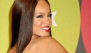 Rihanna'dan Küfürlü Tweet