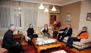 Başbakan Uygur Ailesini Ziyaret Etti