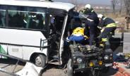 Askeri Cip İle Minibüs Çarpıştı