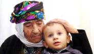 100 Yaşında 100 Torunu Var