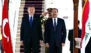 Erdoğan'a Bayrak ve Posterli Karşılama