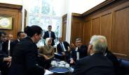 Gül'ün Öfkesi Fotoğraflara Yansıdı