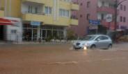 1 Saatlik Yağmur Muğla'yı Felç Etti