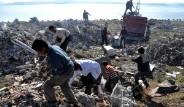 Deprem Enkazına Hücum