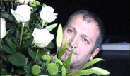 Tatlıses'in Çiçeği Güvenliğe Takıldı