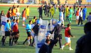 Futbol Sahası Savaş Alanına Döndü