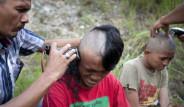 Endonezya Polisinden Şok Uygulama