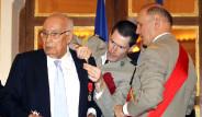 Fransa'dan Yaşar Kemal'e Büyük Ödül