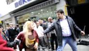 Sevgilisine Sokakta Bıçakla Saldırdı