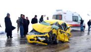 TIR Taksiyi Biçti; 5 Ölü 4 Yaralı