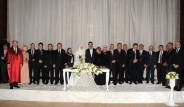Bir Düğün Sekiz Şahit