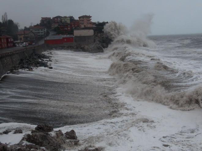 Karadeniz'de Tsunami