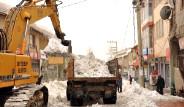 Şırnak'a Kahverengi Kar Yağdı