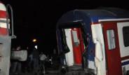Adana'da İki Yolcu Treni Çarpıştı
