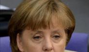 Merkel Öyle Bir Şey Yaptı ki...