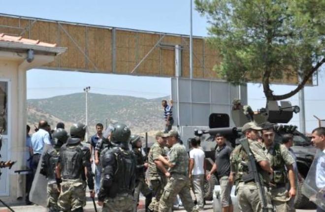 Suriyelilerin Kampında İsyan
