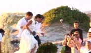 Sosyetenin Çıplak Ayaklı Düğünü